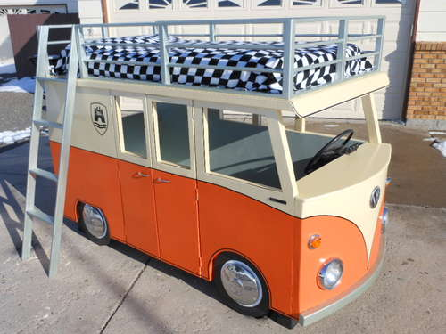 The-Micro-Bus-Bunk-Bed-and-Playhouse