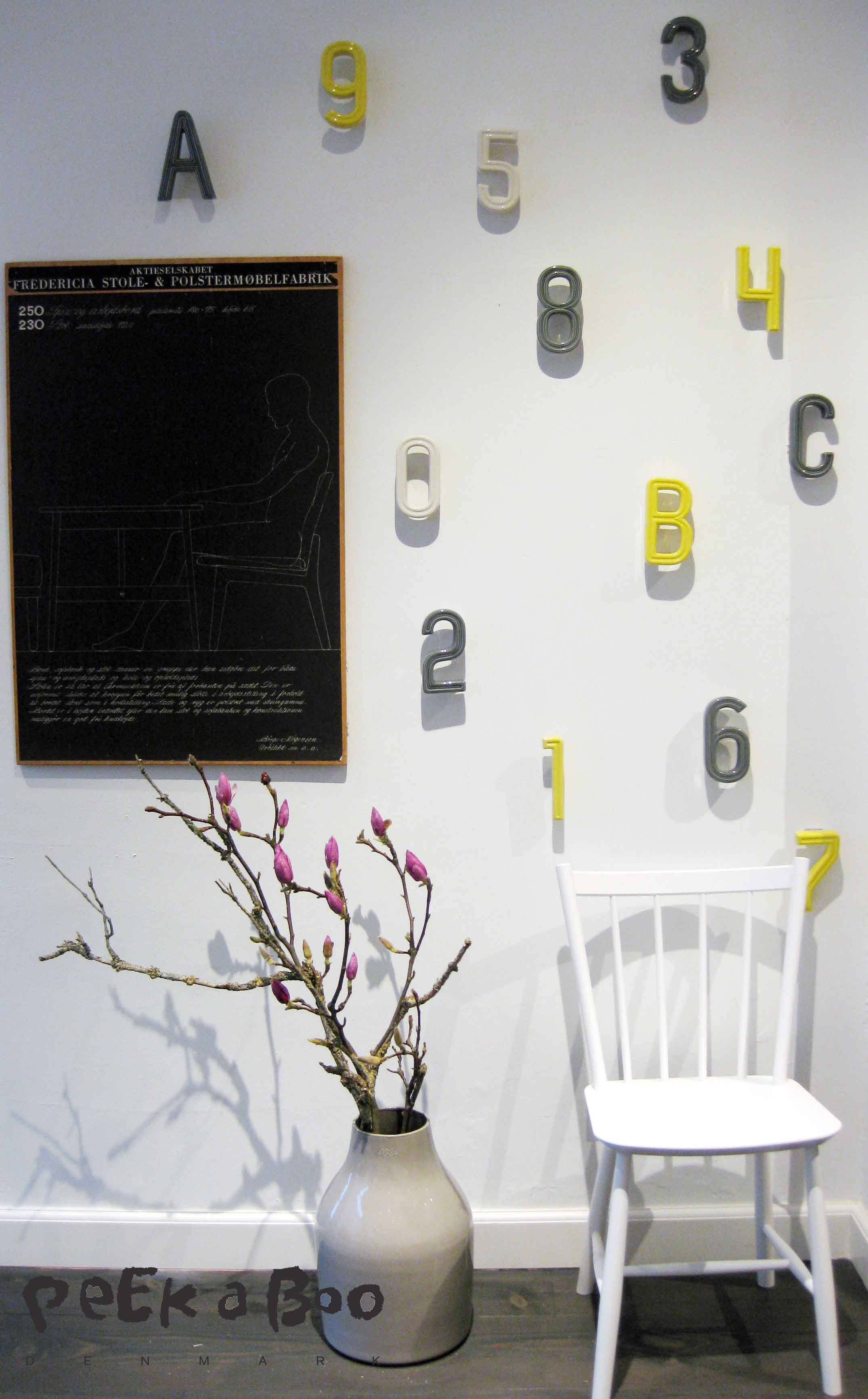 De helt igennem skønne husnumre fra Kahler, så kan du allerede ved indgangen til dit hus signalere god stil...