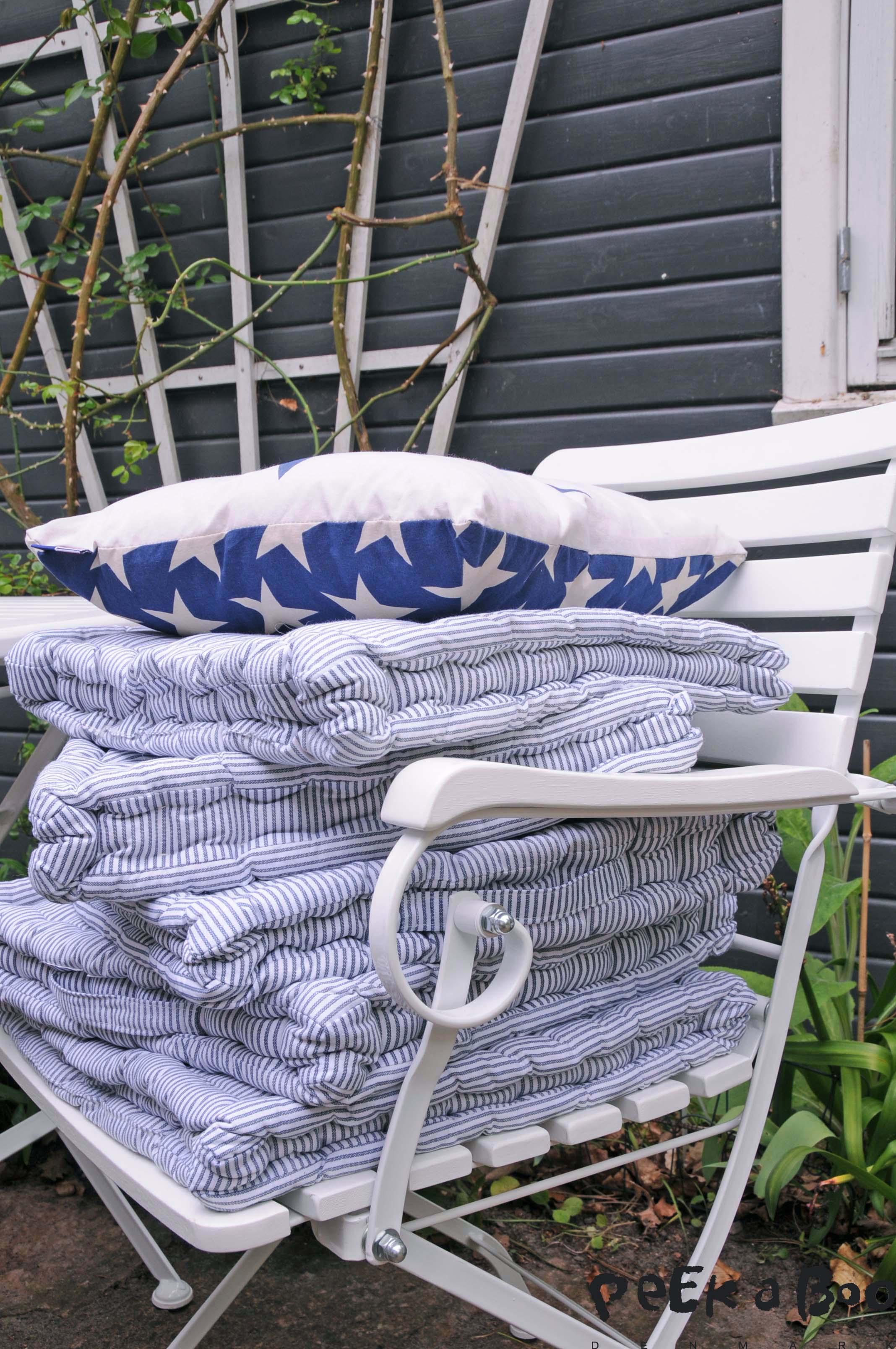 Beach house, puder, futon cushion, gerbera, cushion, patchwork blancket, tæppe, stol Hagen,  Maskros,