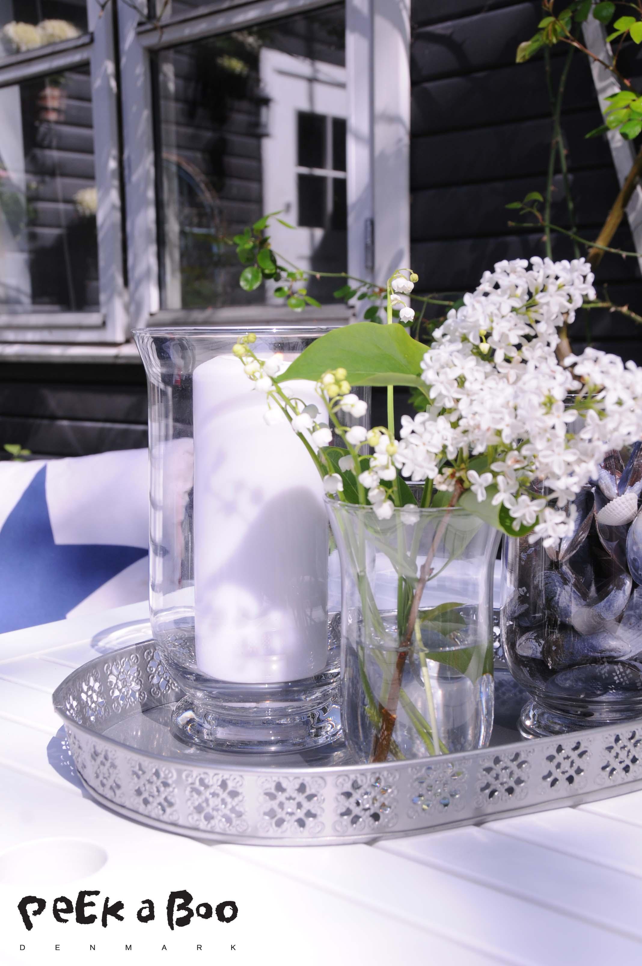 Vase Sune, bakke, syren, liljekonval, blå muslinger, skaller, strand fund,
