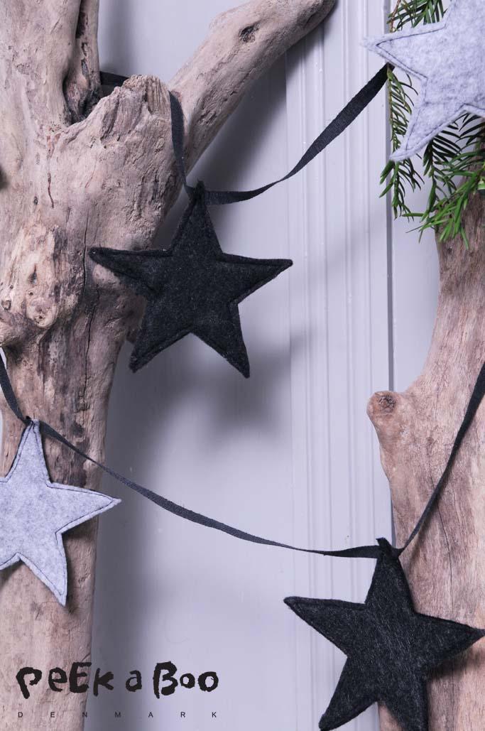 Nordisk jul med grå filt guirlande.