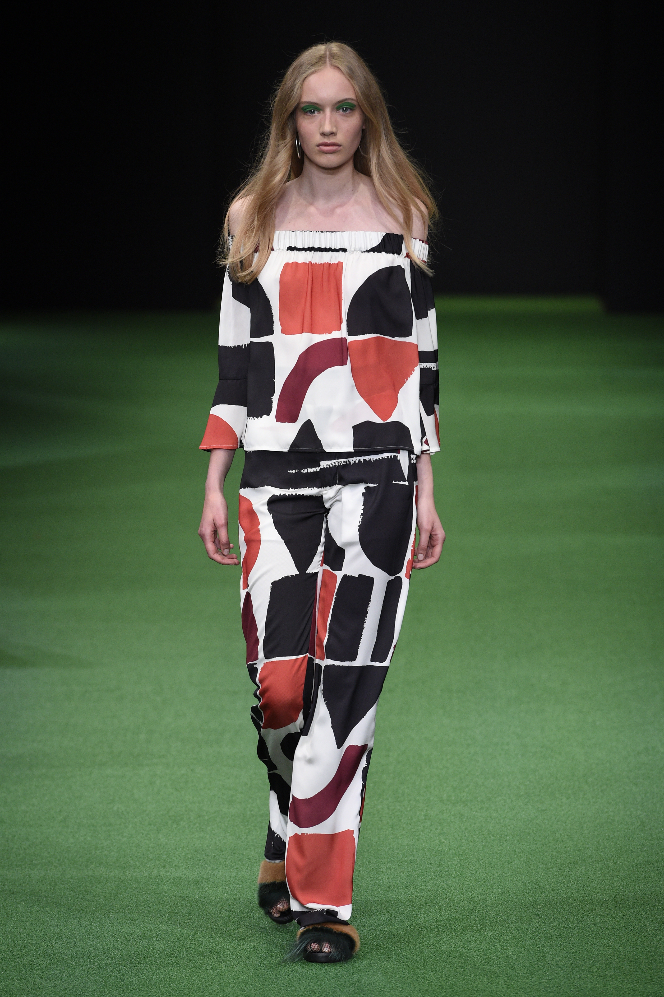 Saks Potts is also quiet new on tthe fashion scene and known for their colorful fur jackets.