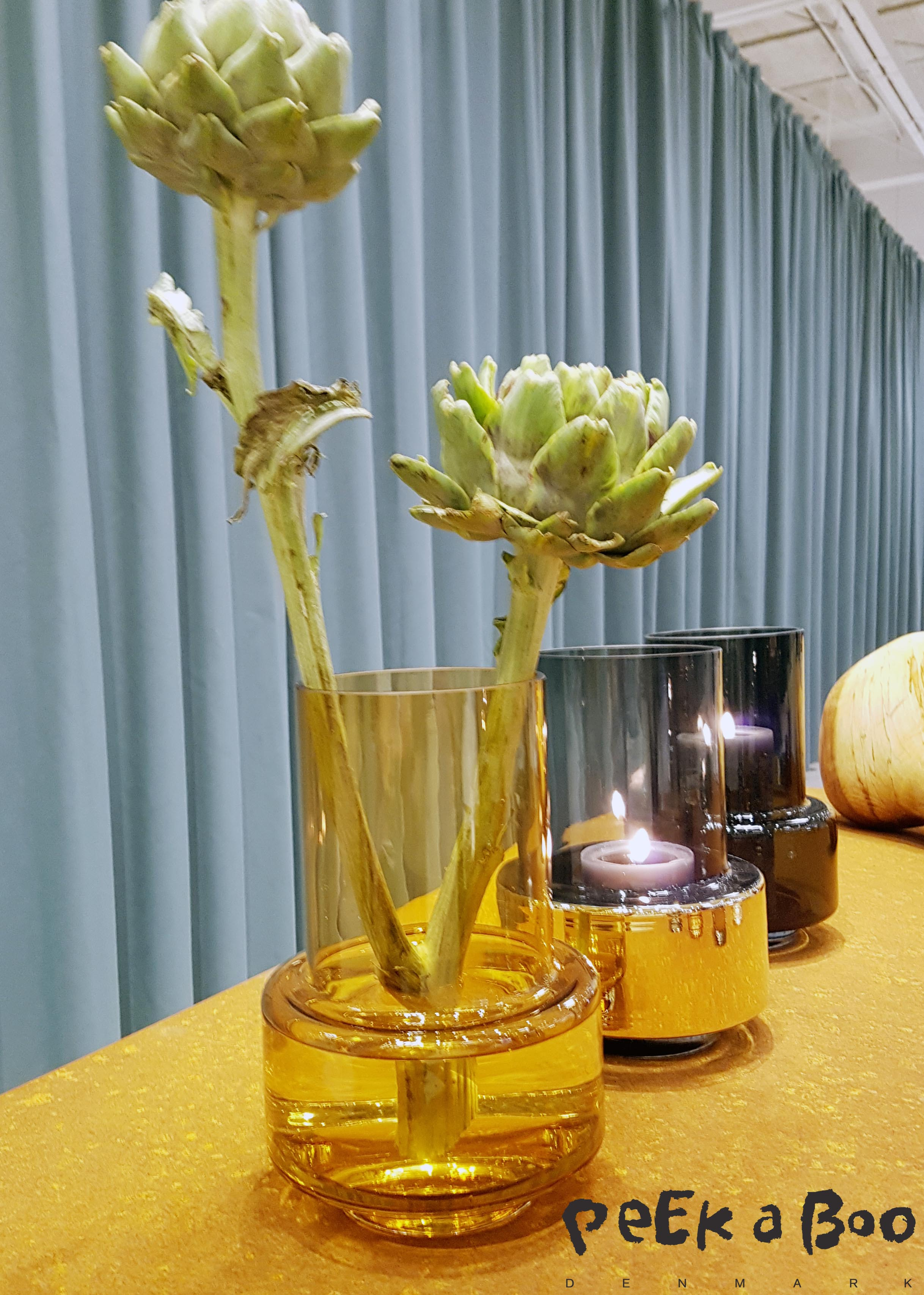 Glass vases from the Danish brand ro. Simpel shape and fantastic colours. Seen at Northmodern.